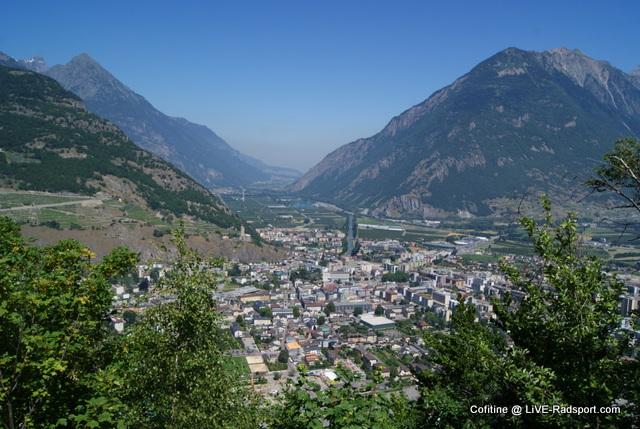 Ein Blick über das Städtchen Martigny im Schweizer Kanton Wallis