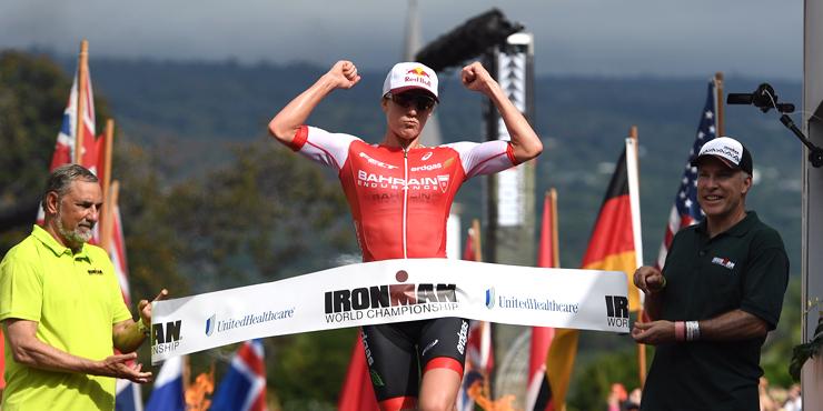 Schweizer Triathletin Daniela Ryf bricht bei ihrer Titelverteidigung den Streckenrekord des Ironman Hawaii