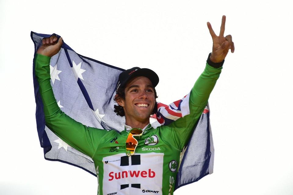 Der zweifache Etappensieger Michael Matthews im Grünen Trikot und mit der australischen Flagge (Foto: Twitter @LeTour)