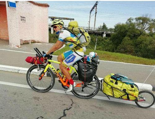 """Geplant waren 16.000 km in 3 Monaten - """"Ich hatte am Anfang ein bisschen viel Gepäck dabei"""""""