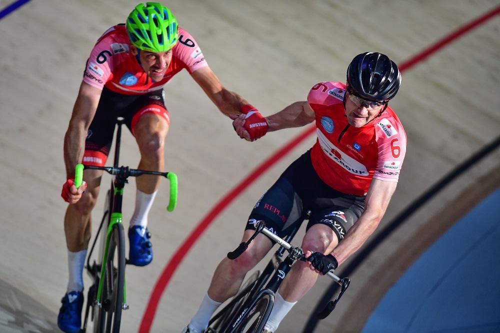 Andreas Graf und Marc Hester (Team DATAGROUP) sichern sich den ersten Tagessieg der 56. SIXDAYS BREMEN (Foto: Event & Sport Nord GmbH (ESN)/Arne Mill)