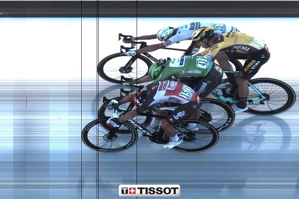 Das Zielfoto der 11. Etappe (von oben nach unten): Peter Sagan, Wout Van Aert, Sam Bennett, Caleb Ewan (Foto: tissottiming.com)