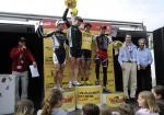 Erbprinz Alois mit den Erstplatzierten des Racer Bikes Cup (von links): Patrik Gallati, Martin Gujan, Jürg Graf und Alexandre Moos. Foto: lü