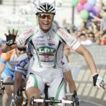 Alessandro Petacchi gewinnt ersten Giro-Massensprint gegen Mark Cavendish