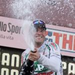 Petacchi gewinnt Sprint eines sturzdezimierten Hauptfeldes auf der 3. Giro-Etappe
