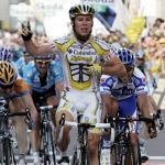 Team Columbia mit Giro-Hattrick - Mark Cavendish gewinnt gefährliche Mailand-Etappe