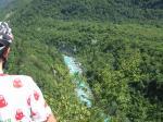 und tief unten der Fluss Soca
