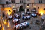 stilvolles Abendessen im Chateau