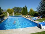 Abkühlung und Relaxen am Hotel Pool