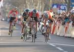 Andreas Klöden kämpft gegen Samuel Sanchez um den Sieg auf der 5. Etappe von Paris-Nizza (Foto: www.letour.fr)