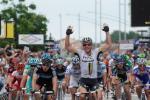 John Degenkolb gewinnt die 4. Etappe des Critérium du Dauphiné vor Edvald Boasson Hagen (Foto: www.letour.fr)