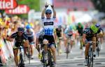 Tyler Farrar gewinnt die 3. Etappe der Tour de France vor Romain Feillu (links) und José Joaquin Rojas (rechts) (Foto: www.letour.fr)