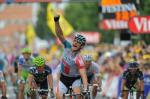 André Greipel bejubelt in Carmaux seinen ersten Etappensieg bei der Tour de France (Foto: www.letour.fr)