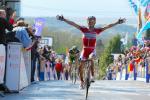 Joaquin Rodriguez gewinnt an der Mur de Huy den Flèche Wallonne 2012 klar vor Michael Albasini (Foto: letour.fr)
