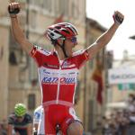 Favorit Rodriguez erobert in Assisi Maglia Rosa