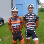 Florian Bissinger vom Team Vorarlberg (rechts) mit seinem Freund und früheren Teamkollegen Benjamin Edmüller von Gebrüder Weiss-Oberndorfer