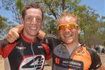 Tagessieger Mike Mulkens (li.) und sein belgischer Landsmann Michiel van Aelbroeck (Foto: Crocodile Trophy/Regina Stanger)