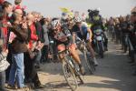 Die beiden Duellanten um den Sieg bei Paris-Roubaix 2013: Fabian Cancellara und Sep Vanmarcke (Foto: letour.fr/Veranstalter ASO)