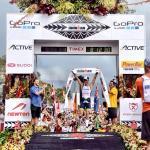 Frederik Van Lierde erreicht das Ziel als Sieger des Ironman Hawaii 2013 (Foto: ScribbleLive / ironman.com)