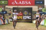 MTB-Weltmeister Nino Schurter und Philip Buys gewinnen Etappe 4 von Cape Epic (Foto: Shaun Roy/Cape Epic/SPORTZPICS)