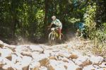 Ivan Rybarik gewann bei der heutigen ersten Etappe die UCI Elite Männer Kategorie auf der engen World Cup Strecke im dichten Regenwald von Smithfield. (Foto: Kenneth Lorentsen)