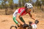 Dem Ungar Márton Blazsó waren die heutigen heißen Outback Bedingungen recht. (Foto: Regina Stanger)