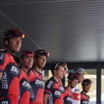 ... inmitten seiner Teamkollegen bei der Tour de Suisse 2014