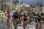 abgehängte Gruppe im Ziel des GP Lugano
