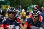 Dries Devenyns und Matthias Brändle kurz vor dem Start zur 8. Etappe in Bern