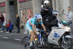 bei der zweiten Durchfahrt in Como und vor dem letzten Anstieg führt der spätere Sieger Vincenzo Nibali das Rennen bereits an