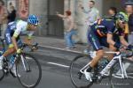 Valverde und Chaves sind in der Verfolgergruppe unterwegs bei der zweiten Durchfahrt in Como