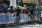 und da kommt die Gruppe um Valverde ins Ziel