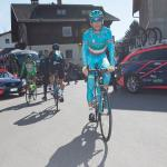 Vincenzo Nibali rollt zum Start (Foto: Expa Pictures)