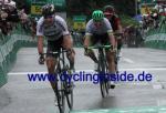 Peter Sagan schlägt Michael Albasini und Silvan Dillier auf der 3. Etappe der Tour de Suisse (Foto: cyclinginside)