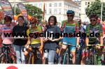 Vor dem Etappenstart in Graz posieren die Trikotträger für ein gemeinsames Bild (Foto: cyclinginside)