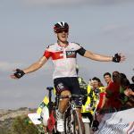 Mathias Frank fährt den 2. Vuelta-Etappensieg für IAM ein