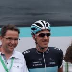 Fabian Cancellara ist begehrter Fotopartner bei der Tour de Suisse 2011