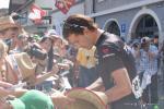Fabian Cancellara ist für die Fans da bei der Tour de Suisse 2014