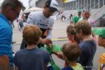 Fabian Cancellara ist begehrt bei den Kids bei der Tour de Suisse 2015