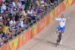 Elia Viviani feiert seinen Olympiasieg in Brasilien (Foto: Expa Pictures)
