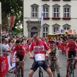Marcel Sieberg (Lotto-Soudal) auf dem kleinen Hochrad bei der Tour de France - Teampräsentation in Düsseldorf. Foto: LIVE-Radsport.com