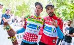 Zeigen ihre Trikots: Stephan Rabitsch (Berg) und Markus Eibegger (bester Österreicher) (Foto: Expa Pictures)