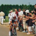 im weißen Trikot beim Einzelzeitfahren der Tour de France 2005