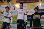Das Podium der Männer Elite beim Weltcup Nommay (v. l. n. r.): Wout van Aert (BEL), Mathieu van der Poel (NED), Toon Aerts (BEL)
