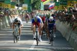 Démare (Mitte) gewinnt die 8. Etappe der Tour de Suisse vor Gaviria (rechts), Sagan (links) wird Vierter