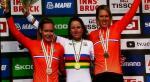 Die neue und alte Zeitfahr-Weltmeisterin Annemiek van Vleuten zwischen ihren Landsfrauen Anna van der Breggen und Ellen van Dijk (Foto: Heike Oberfeuchtner/H.O.)