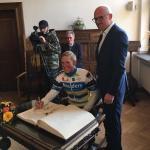 """Duisburg, Goldenes Buch - """"Neben Frank-Walter Steinmeier und solchen Leuten"""""""