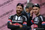 ... mit seinem Team und Trainingskollegen Johannes Fröhlinger beim Rennen Il Lombardia 2015