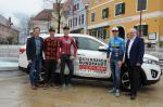 Bürgermeister Mag. Johannes Wagner, Lukas Schlemmer, Daniel Auer, Stephan Rabitsch (Team Felbermayr Simplon Wels) und TVB-Obmann Wolfgang Kasic (Foto: fotoullrich.com)