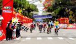 Sarda müht sich wieder vergebens – Etappensieg Nummer vier beim HTV Cup für Nguyen Tan Hoai (Foto: facebook.com/htvthethao)